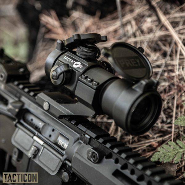 Tacticon Predator V1 Red Dot / Green Dot - AR 15 Picatinny Mounted